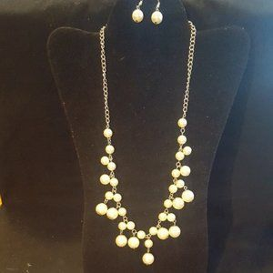 Silver and Pearl Necklace Set J-74